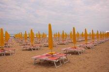 Ранее утро. Пляж готов к приему гостей