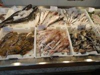 В магазине морепродуктов