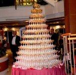 вот что устраивали по вечерам бармены, фонтан из шампанского