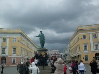 экскурсия возле памятника Дюку