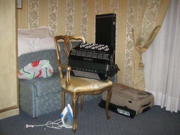 даже для музыкальных инструментов есть место!