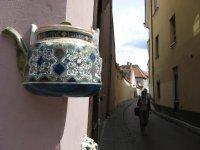 поворот на улицу Bernardinu возле чайного магазина Gurmans