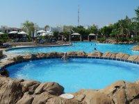 Джакузи и основной бассейн