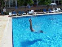 Отдых у бассейна