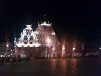 Дом Черноголовых вечером