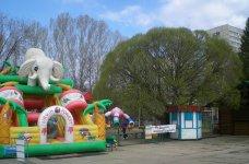 аттракцоны в детском парке