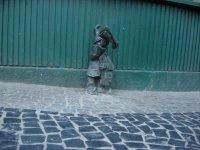Гном-почтальон- первый встреченный во Вроцлаве