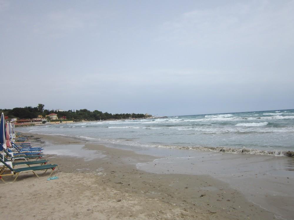 пляж в штормовую погоду