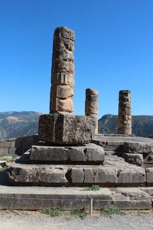 Дельфы. Остатки храма Аполлона.