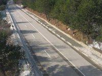 Вид с кабинки канатной дороги на Южнобережное шоссе