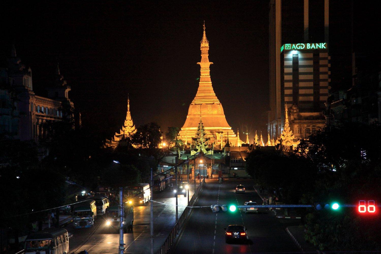 Янгон- пагода Суле