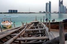 Лодки рыбаков  в этнической деренве