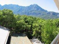 Вид с окна отеля на горы