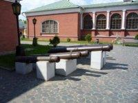 Пушки на Конюшенном дворе