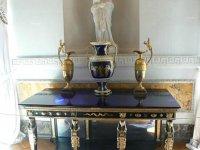 Столик Греческого зала.