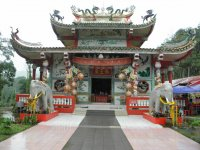 Небольшой храм