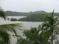 На озере Коггала