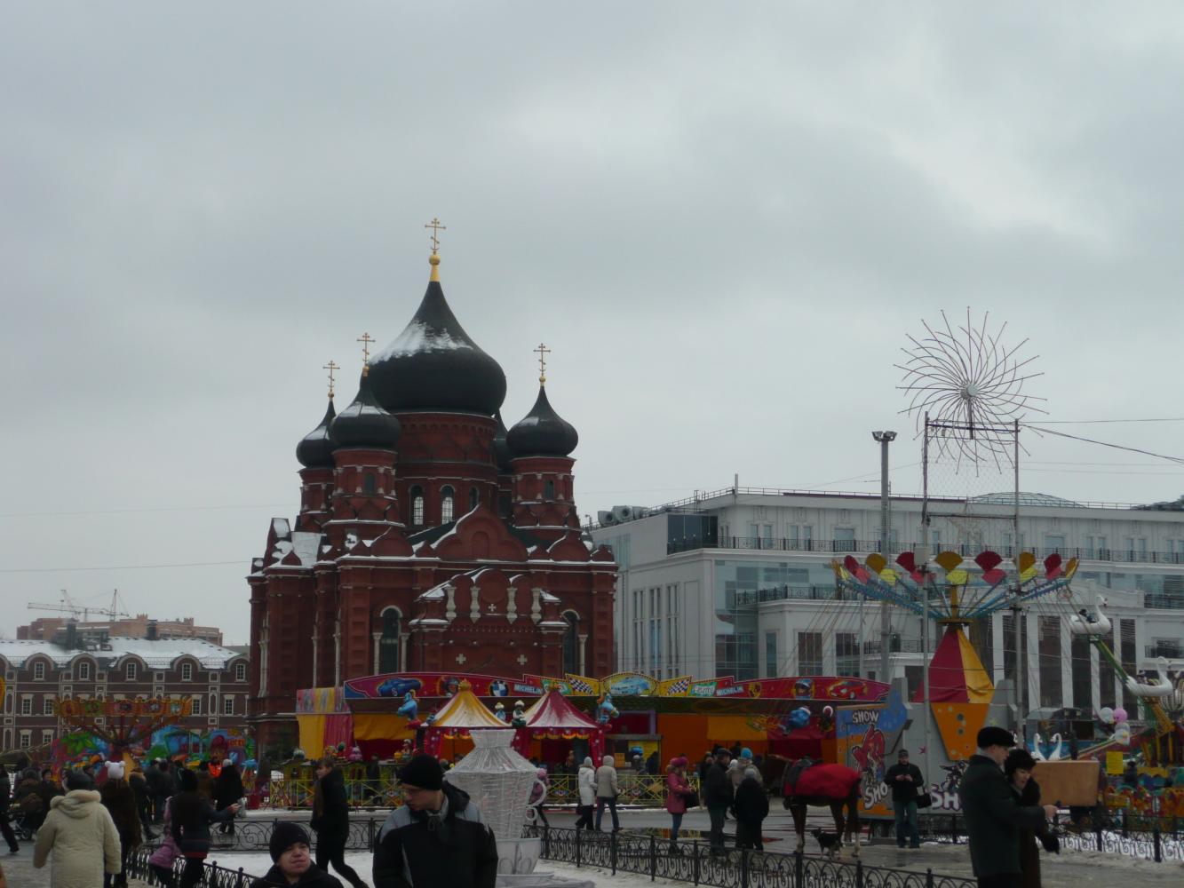 Новогодняя ёлка около Кремля