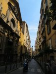 Узкие улицы Неаполя