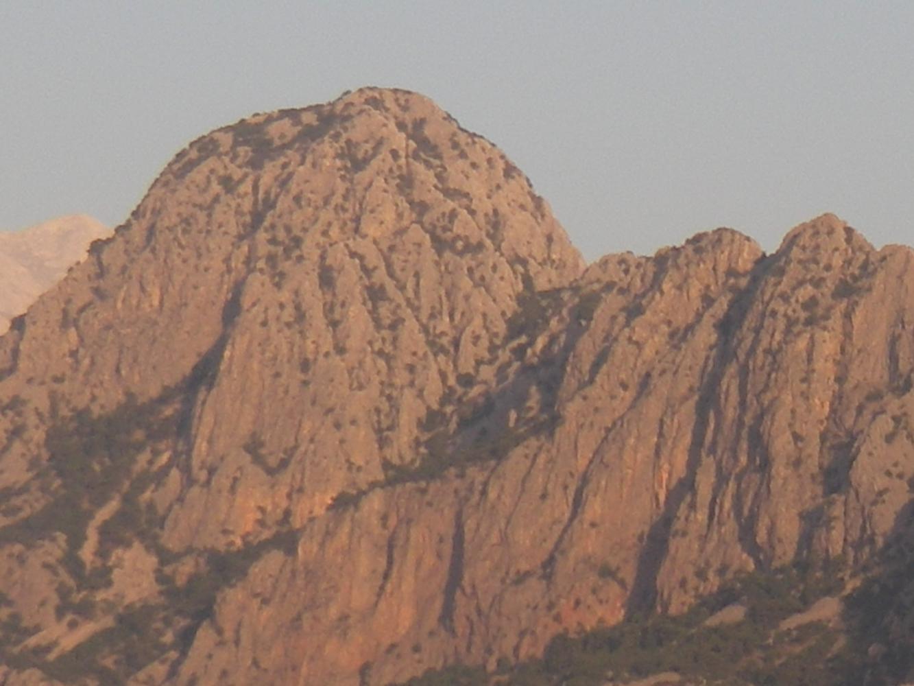 Даже из отеля абсолютно отличный вид на горы