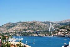 Порт при въезде в Дубровник