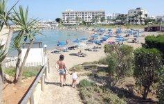 Спуск с отеля на пляж