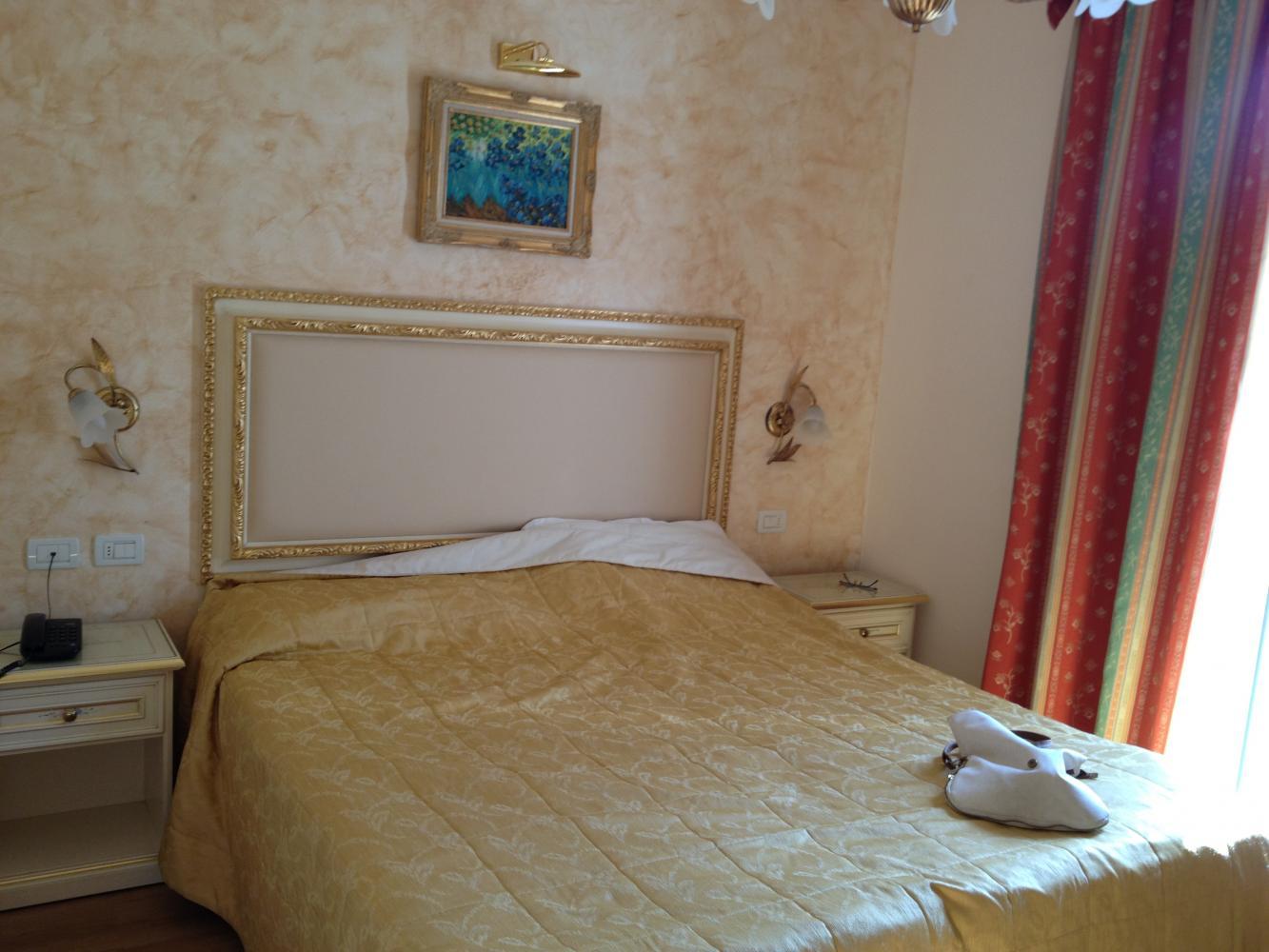 Кровать в номере