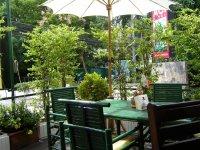 В кафе на Наклуа