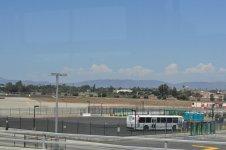 вид из терминала, весь аэропрт окружен горами