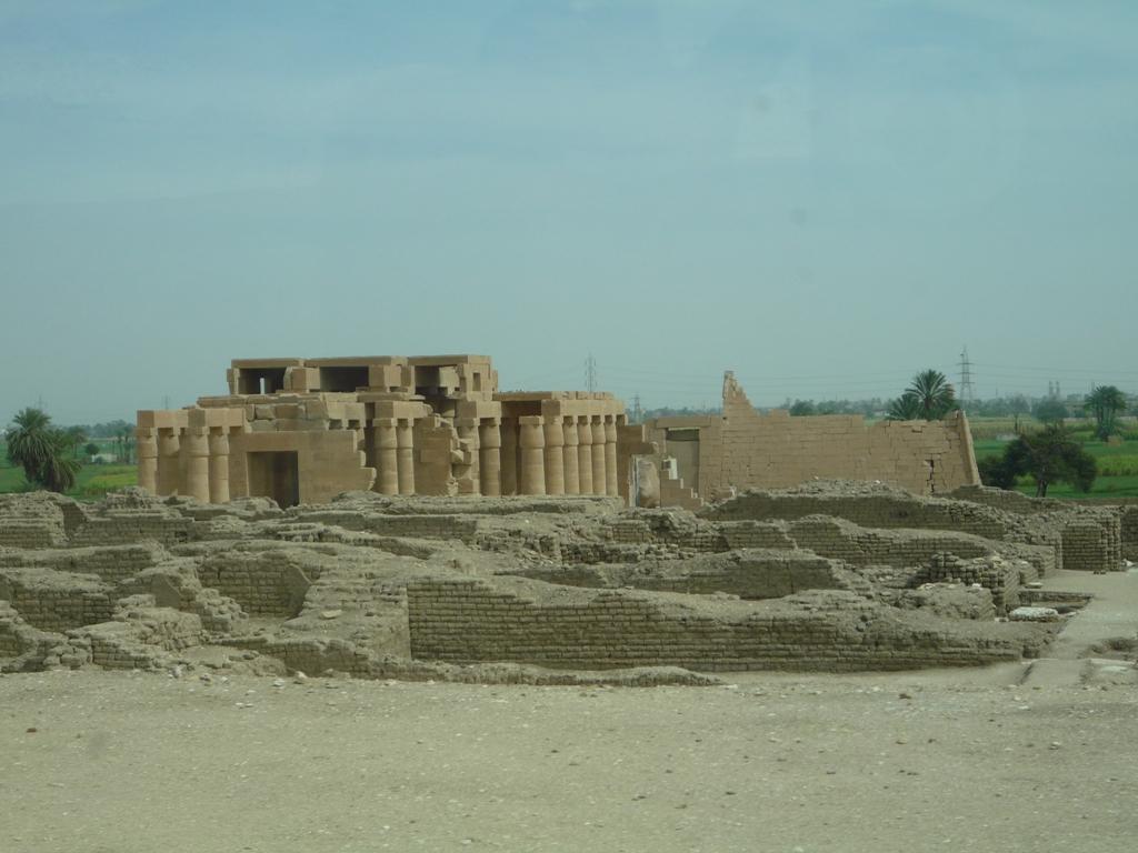 Бесконечные древние руины