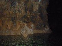 В пещере Алтынбешик.