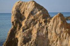 Вот такие куски скалы у Аспендоса.