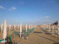 на пляже в Римини