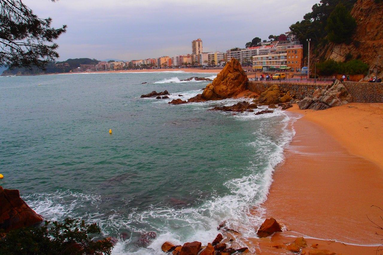 Фото на пляже в испании, На испанском пляже это делать можно (фото) 23 фотография