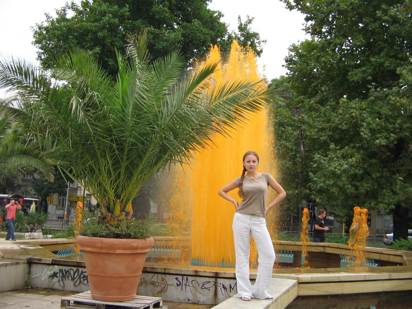местный один из самых больших фонтанов