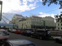 Старое здание Мариинки и переход в Мариинку-2