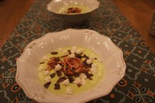 суп пюре из шпината, с бастурмой и раковыми шейками