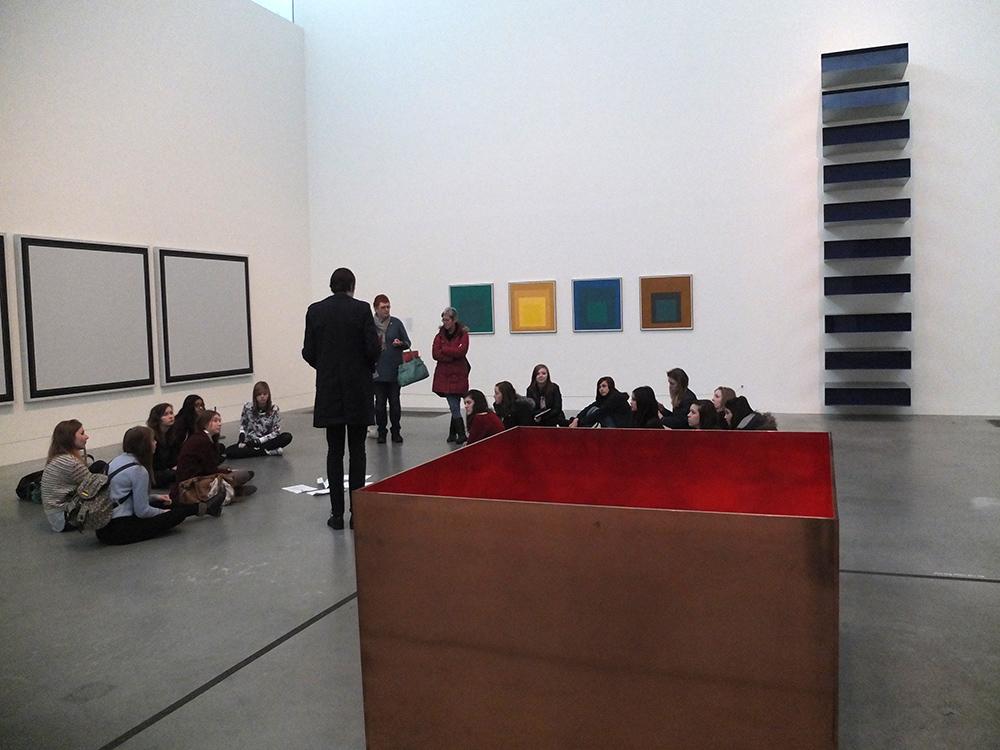 Тейт Модерн: студенты постигают современное искусство