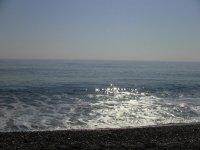 море и галечный пляж