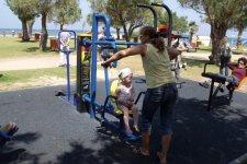 спорт площадка на набережной, таких в Израиле много