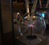 Плазменный шар - шар Тесла