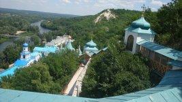 Вид монастыря с горы