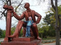 Памятник Дувану, городскому голове и меценату