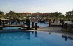 Бассейн в отели