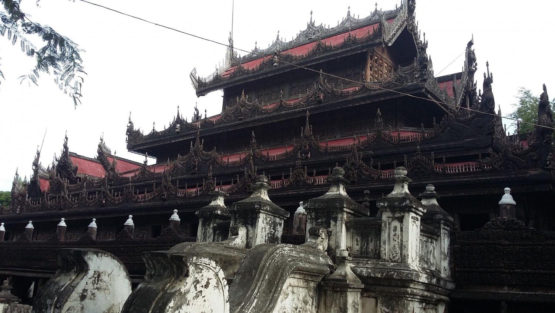 Деревянный храм Шве Нандау Кияунг