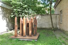 Инсталляции в дворах