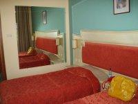 Кровать нам заменили на двуспальную :)