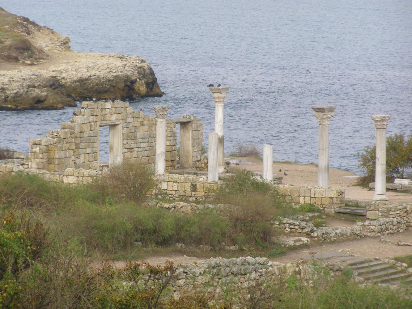 Восстановленная часть городища Херсонес