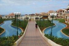 Очень красиво оформленная территория отеля