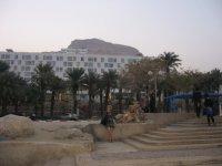 вид отеля с пляжа ММ